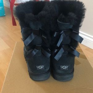 Ugg Bailey Bow II black sheepskin boots sz 39